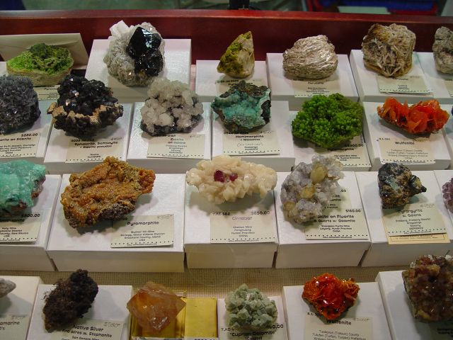 Well Arranged Molecules mineral display